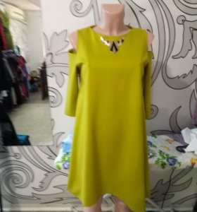 Платье трапеции плечо открыто плотный трикотаж