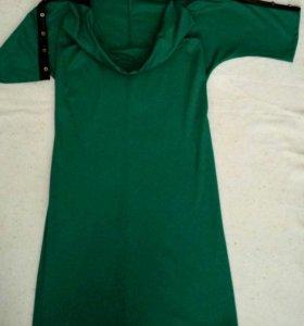 Платье со вставками из кожзама.