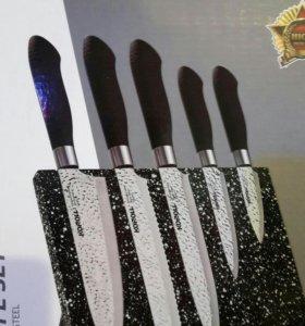 Кухонные ножи на магнитной подставке