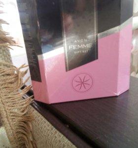 Набор FEMME от Аvon в подарочной упаковке