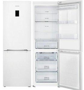 Холодильник Samsung.
