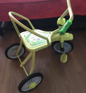 Продам детский 3х-колесный велосипед Светлячок