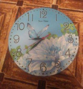 Часы новые настенные