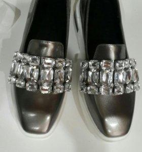 НОВАЯ обувь р39