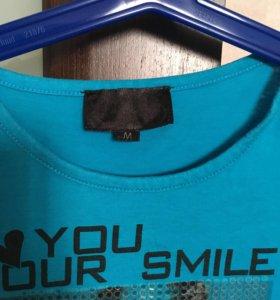 Фирменная футболка M размер
