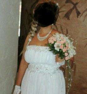 Свадебное платье.Размер от 46-50