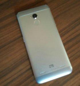 Телефон ZTE blade v7 lait