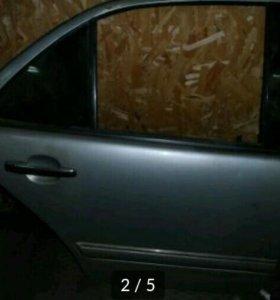 Дверь мерседес w210.2000.г
