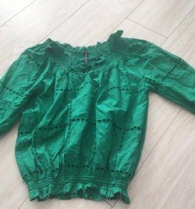 Зелёная рубашка зефирка с открытыми плечами