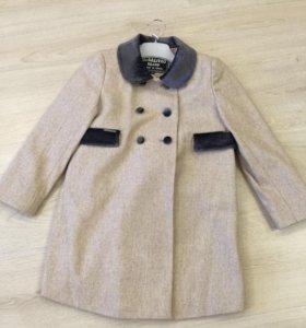 Пальто на девочку 116 Р