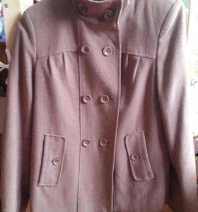 Пальто женское. Размер 44.