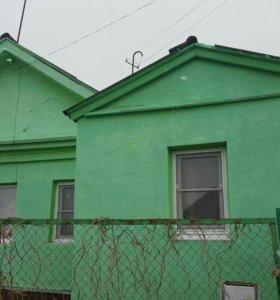 Дом в центре города с земельным участком