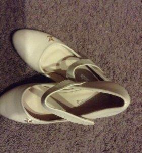 Туфли на девочку на коблучке