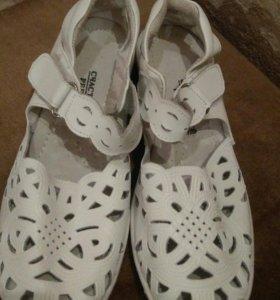 Кожаные туфли 35-36 р.
