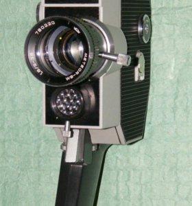 """Кинокамера """"Кварц 2 ВС-3"""""""