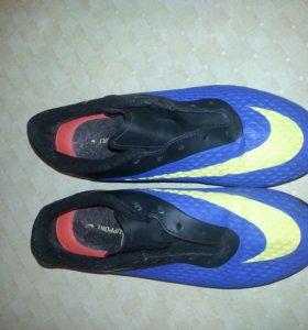 Бутсы, футбольная обувь