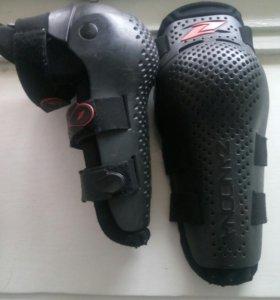 Наколенники ZANDONA Jointed Kneeguard