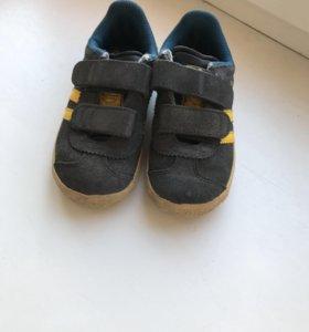 Кроссовки Adidas 25 р-р