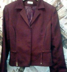 Весенний пиджак 46 размера