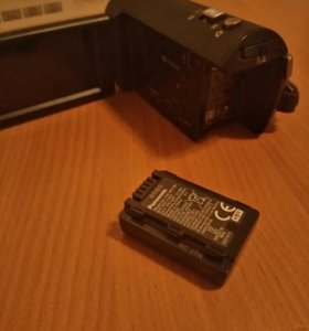 Продаю видео камеру(почти новая )