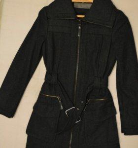 Пальто для девушки демисезонное. Zara.