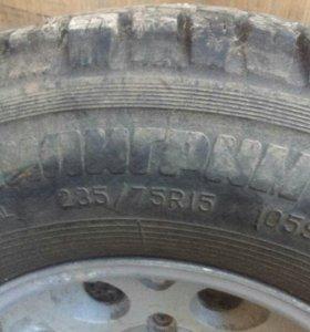 5 колес 6х139.7 235/75r15