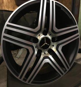 Новые литые оригинальные диски на автомобиль