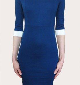 Синее платье-карандаш