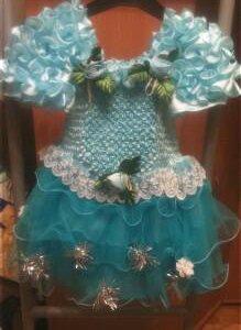 Платье нарядное р.104.