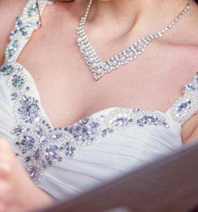 Свадебное платье и туфли лодочки