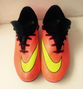 футбольные бутсы Nike Hypervenm