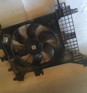 Рено Дастер вентилятор охлаждения .