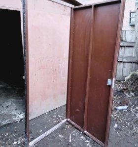Металлические двери с новостройки