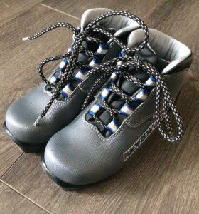 Ботинки для беговых лыж Nordway Skei (размер 33)