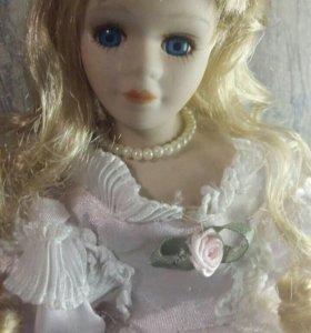 Кукла, фарфор.
