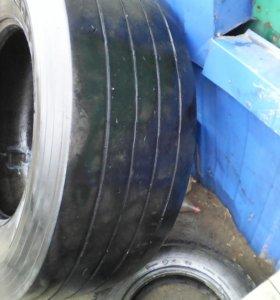 Продам грузовые шины б.у 385/65.)315/80) 315/70