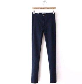 темно синие джинсы с высокой талией