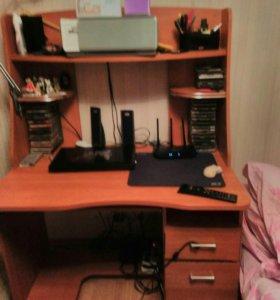 Компъютерный стол