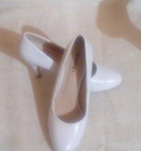 Туфли 38раз в хорошем состоянии