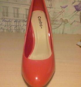 Женские туфли лакированые