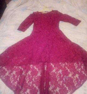 Продам платье на девушку 42 размера