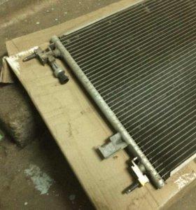 Конденсатор кондиционера, на BMW E39. Оригинал.