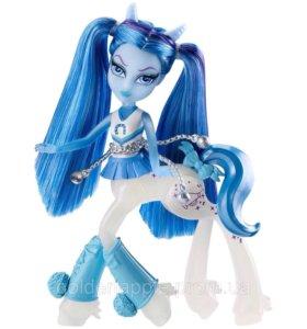 Кукла Скайра Баунсгейт от Monster High