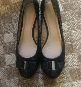 Черные туфли Alba с перфорацией не ношеные