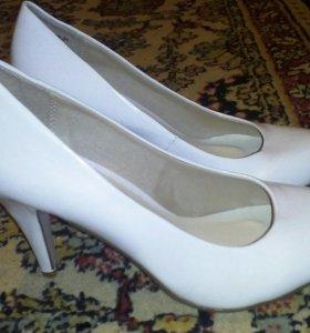 Новые туфли 38.5
