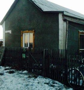 Продам или обменяю дом в Нововаршавке