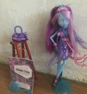 Monster High Киёми Хантерли