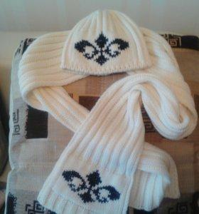 Комплект шапка и шарф .