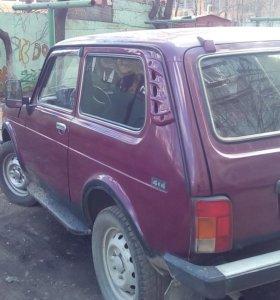 Автомобиль Нива 21213