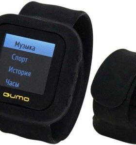 MP3 плеер Qumo SportsWatch черный